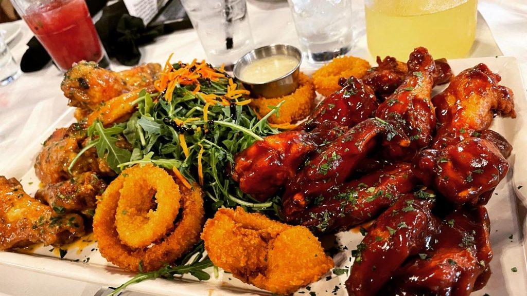 Tavern on Lagrange - Chicken Wing Platter
